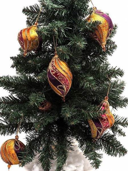 украшения на елку с бисером