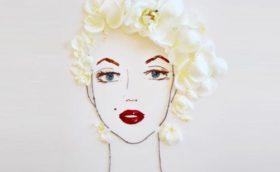 портрет Мерилин Монро из природного материала, цветов